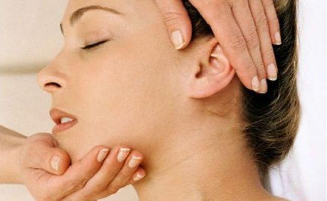 BodyBuilding eStore - http://www.bodybuildingestore.com/exercises-to-get-rid-of-double-chin/