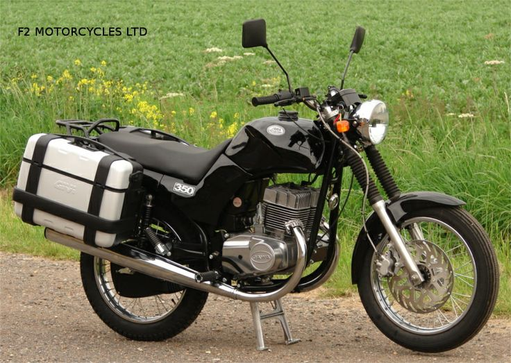 Jawa 350 Classic with optional Give trekka luggage from www.jawamotorcycles.co.uk
