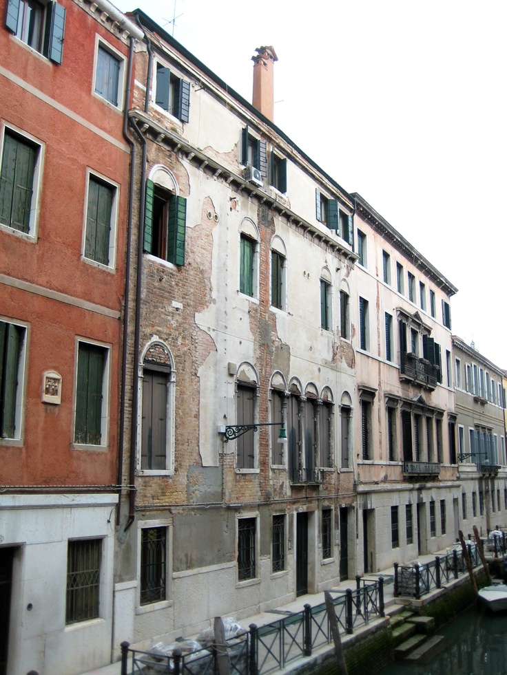 The original SFERRA factory as it stands today overlooking the canals of Venice.