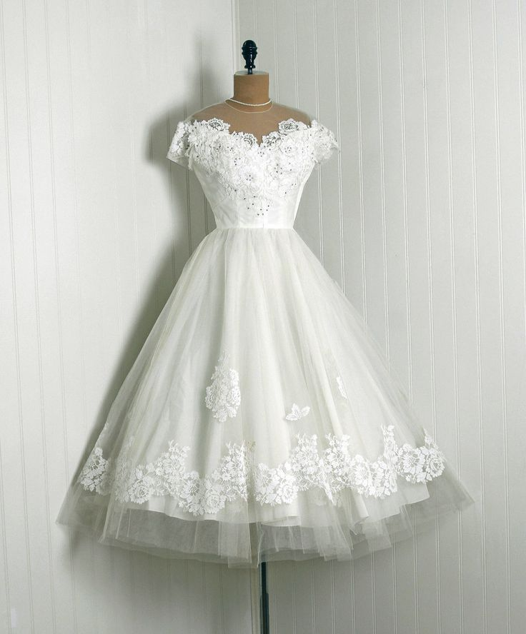 1950's Vintage Priscilla of Boston Designer-Couture White Chantilly-Lace & Tulle Rhinestone Sheer-Illusion Full Circle-Skirt Wedding Dress.  LOVE THIS