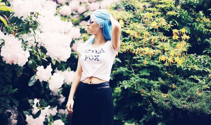 Mama Fox slogan tee modelled by Emily Byrom! £2 of every t-shirt sale will be donated to the miscarriage association. http://www.baxandbay.com/collections/t-shirts#  #alegremedia