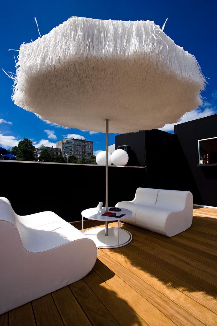 Kaliteli Bahçe Şemsiyeleri Modelleri Lara Concept'de.  Dekoratif, Şık ve dayanıklı Bahçe Şemsiyeleri Bodrum, Teras Şemsiyeleri Bodrum, Güneş Şemsiyeleri Bodrum, Plaj Şemsiyeleri Bodrum, Yandan Direkli Şemsiye Bodrum, Yandan Gövdeli Şemsiye Bodrum, Cafe Şemsiyeleri Bodrum, Otel Şemsiyeleri Bodrum, Restaurant Şemsiyeleri Bodrum, Ahşap Şemsiye Bodrum, Büyük Güneş Şemsiyeleri Bodrum, Bodrum Şemsiyeci, Şemsiye Firması Bodrum, Lüks Bahçe Şemsiyeleri Bodrum, Lüks Bahçe Mobilyaları Bodrum