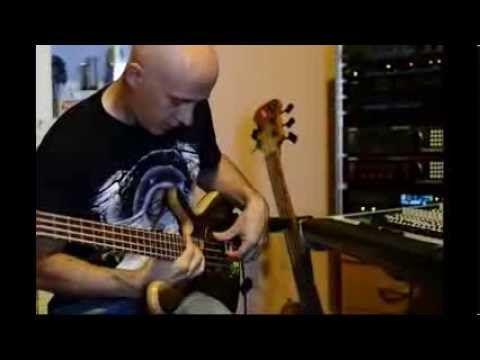 Testing a  bass guitar Darens 4 model by JanAid Guitars improvisation le...