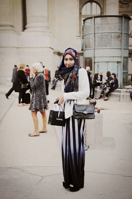 DP x Dewi For Paris Fashion Week - Chanel show #DianPelangi #Hijab #StreetStyle #Batik