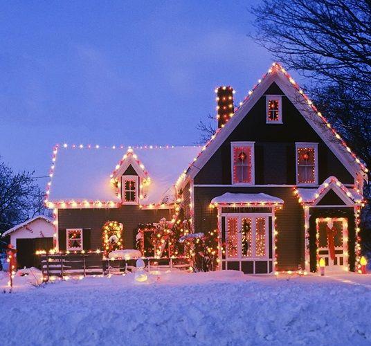 Aranjamente superbe de Crăciun pentru exteriorul casei | CasaMea.ro