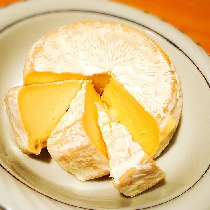 デンマークのチーズ キャステロ ブリー あっさりとしていてヤミー