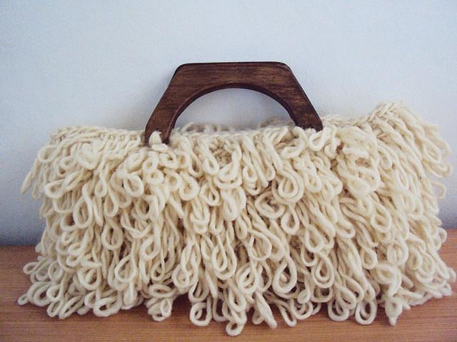 Cartera Modelo Lihuen, 100%lana Natural by Mercedes Galarce .:Miti - Mota:., via Flickr