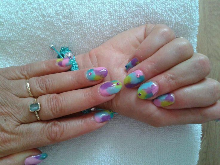 Vernis semi-permanent sur ongles naturels + strass
