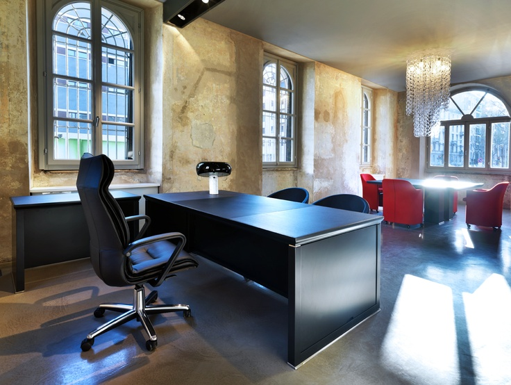 tecno mesa de despacho y reunin modelo iaunus diseado por luca scachetti y sillon modelo