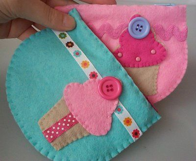 Bolsas em feltroPaper And Str, Hands Sewing, Felt Projects, Sweets Girls, Crafts Day, Cupcakes Pur, Coins Purses, Felt Cupcakes, Minis Cupcakes