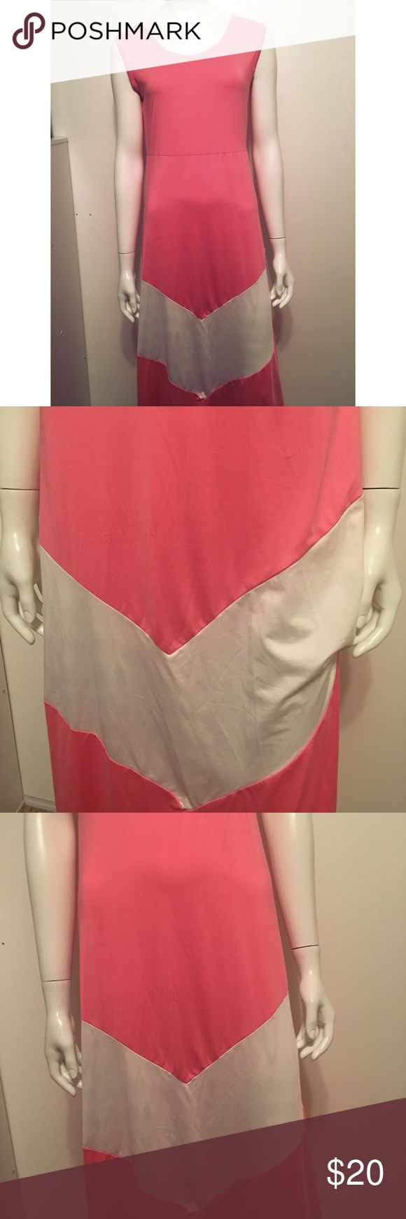 Maxi dress In good condition maxi dress  💖Maybe salmon pink color and white  💖Size M 💖Polyester and spandex  💖Offers are welcome  💖Shipping days M-Sat 9am-4pm (PT)  Bundle and save Dresses Maxi