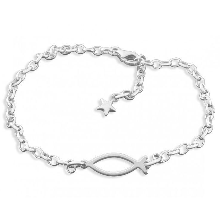 Ein wunderschönes Armband komplett aus 925 Sterling Silber. In das Armband ist ein Tauffisch (Ichthys) eingefasst. Am Ende des Armkettchens hängt ein kleiner 925 Sterling Silber Stern.
