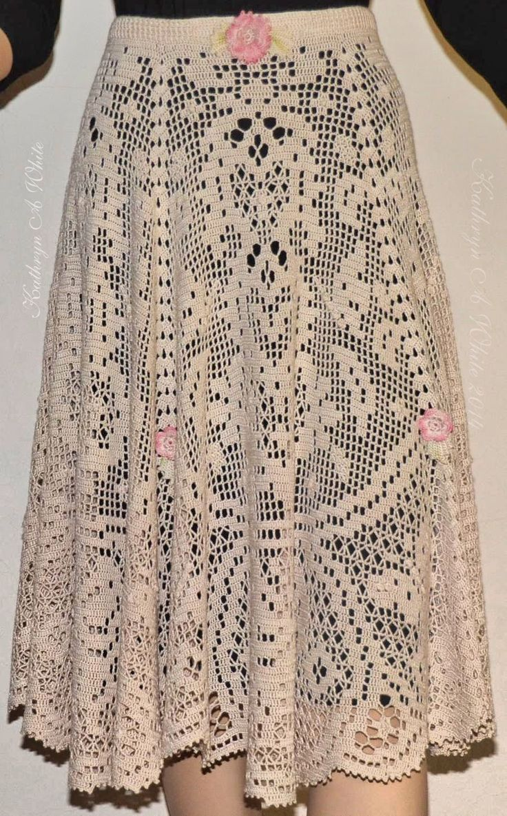 Crochet N Beads: Another view of My Fantasy Filet Skirt.