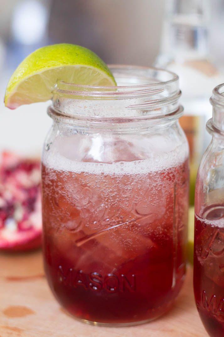 Bubbly Friday: Pomegranate Gin Tonic | The Daily Dose