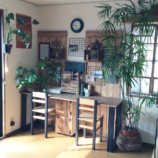kurokawankoさんの、窓枠DIY,カラボリメイク,椅子DIY,机DIY,カメラ出すぎです。,机,のお部屋写真