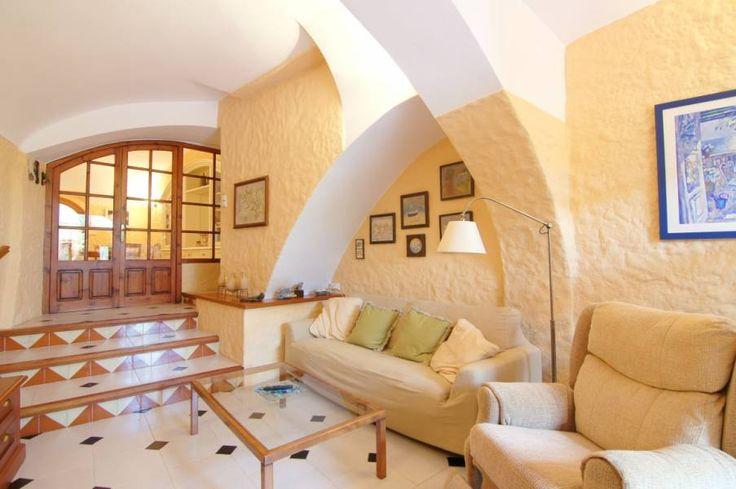 #Casa de piedra en venta #Navata (Girona)  Excepcional casa de campo totalmente rehabilitada cerca de Figueres y del Club de Golf Torremirona   http://qoo.ly/h8qd4  SEPFINQUES   M 677415782   Ronda Universitat 7 2-4   BCN