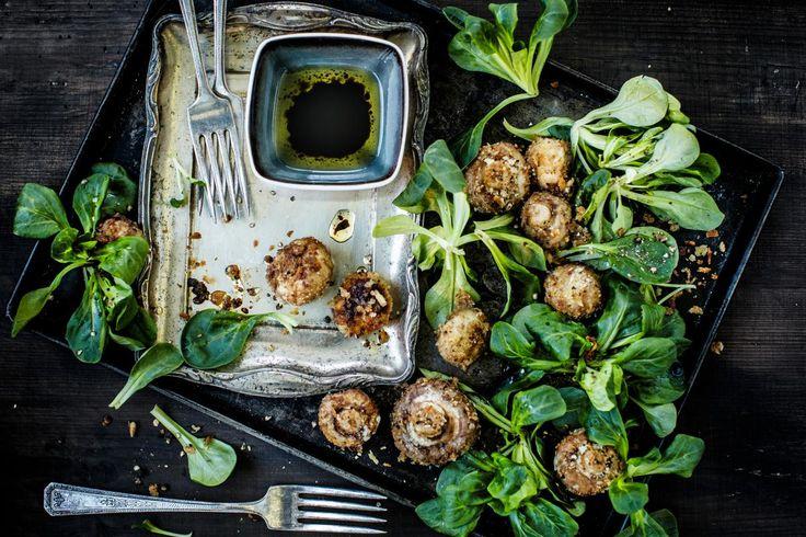 Nüsslisalat mit knusprigen Gewürz-Pilzen
