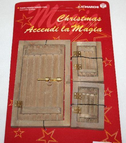 Porta e finestre - scuri in legno. Accessori per realizzare il Presepe o per Miniature. Porta cm 7x12, scuro-imposa finestra cm.4x6. Disponibile da C&C Creations Store