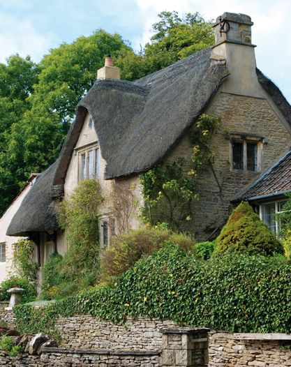 country home, Cotswolds Thatched Cottage, England