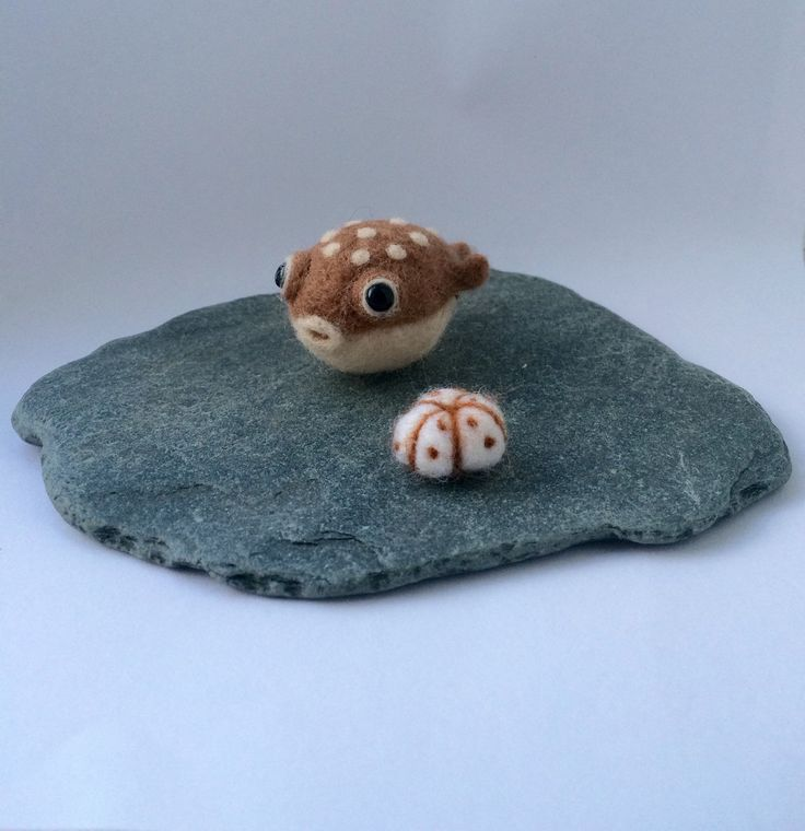 Needle felted pufferfish with a sea urchin felted fish for Puffer fish stuffed animal