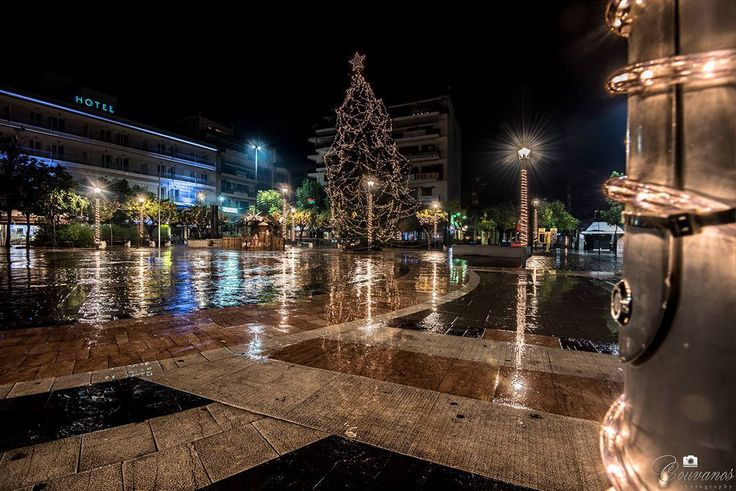 Christmas tree in Agrinio square.