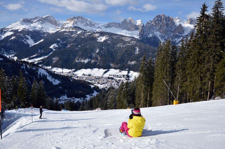 Val di Fassa: vi racconteremo due nuove piste che rappresentano le novità dell'inverno 2014-2015 nelle ski area della Val di Fassa. Sabato 29 gennaio saranno ufficialmente inaugurate, anche se sono già percorribili da qualche tempo, le due piste nere, riservate cioè agli sciatori più esperti, che arricchiscono i comprensori del Ciampac, che sale da Alba di Canazei, e del Buffaure che invece parte a Pozza di Fassa.