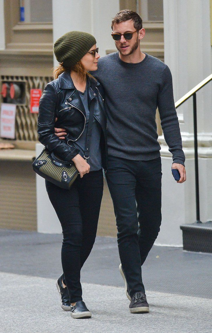 Pin for Later: Kate Mara and Jamie Bell Show Sweet PDA During an NYC Stroll