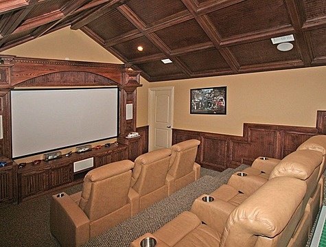 Big Screen + Leather + Cup Holders