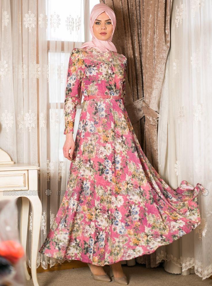 239bf349e09bd En Şık Çiçekli Yazlık Tesettür Elbise Modelleri | Tesettür | Elbise ...