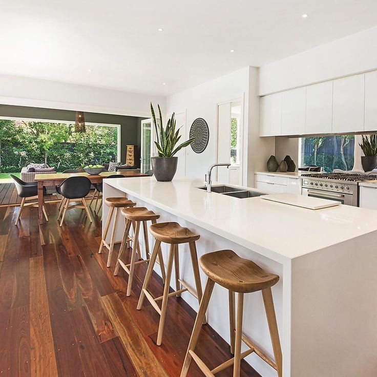 """""""Perfect for entertaining Check out the beautiful 5 Nelson Street, Sandringham via the link in our bio. #kitchen #dining #sandringham #ausliveshere"""""""