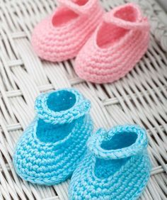 Dress-Up Booties Crochet Pattern. Red Heart Free Pattern - no membership required.