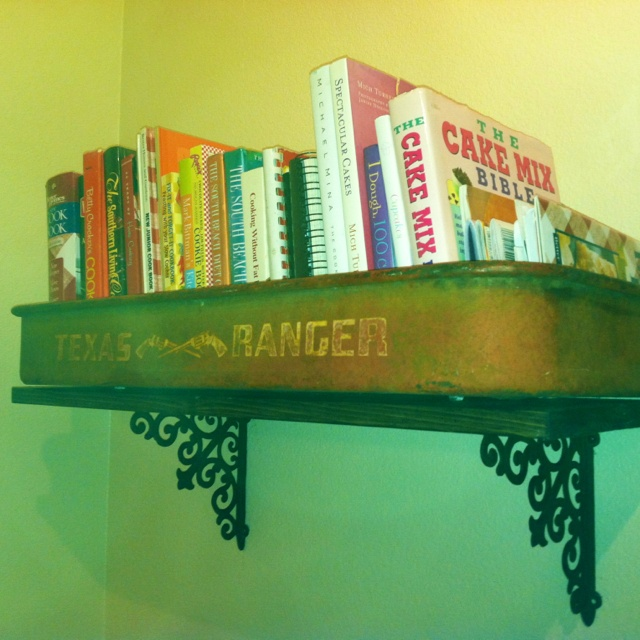 Wagon shelf made by Jami Hanley (and Rit) :)