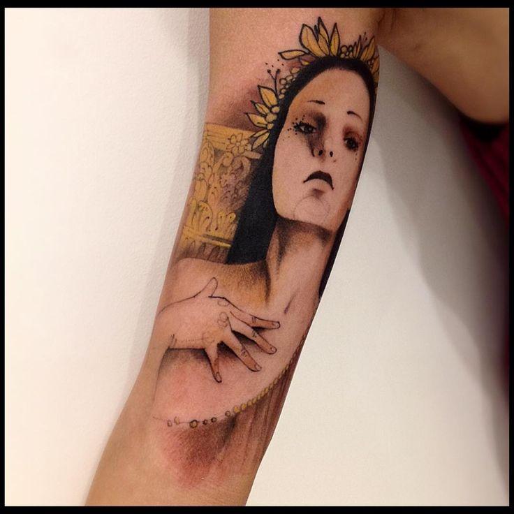 """Helena de Troia (Helen of Troy) #victormontaghini #victormontaghinitattoo #electricink #everlastink #tattooistartmag #tattrx #thebesttattooartists #troy…"""