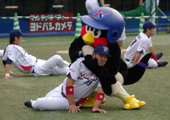【悲報】たまベヱ、つば九郎に批判される