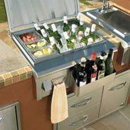 outdoor kitchen bar.