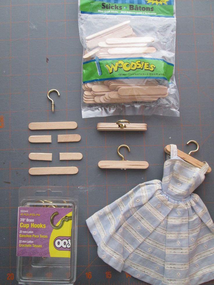 Tutorial hangers Doll clothes hangers, Diy barbie