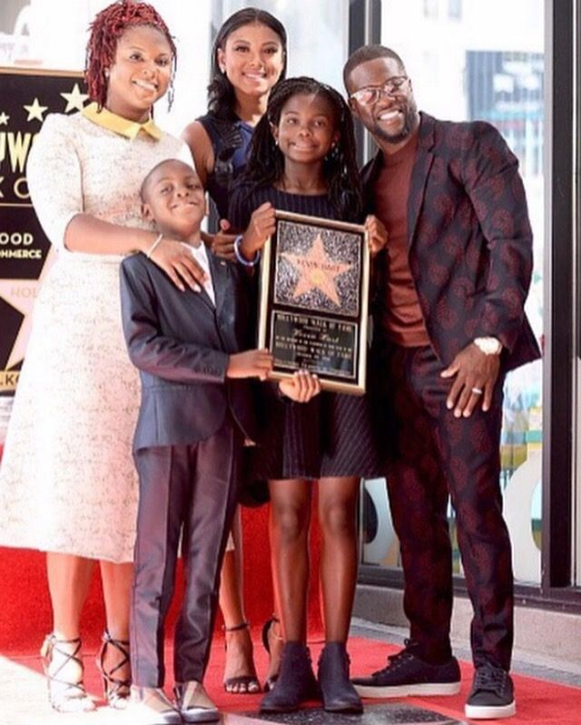 PHOTO – Kevin Hart, joined by his wife, Eniko Parrish, his ex-wife, Torrei Hart, and their kids, receives his star on the Hollywood Walk of Fame