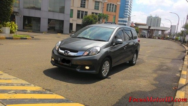 Honda Mobilio E CVT AT Abu 2014  bln 5 Km28rb Record. ECO. Airbags.  AC Double. Electricmirror. Foglamp.  Talangair. Sarungjok. Headunit upgrade touchscreen.  Camera mundur.    -Harga Paling Murah: OTR 154JT  Hubungi Team FOCUS Motor:  (Chatting/Message not recommended )  Regina 0888.8019.102 Kenny 08381.6161.616 Jimmy 08155.1990.66 Rudy 08128.8828.89 Subur 08128.696308 Rendy 08128.1812.926