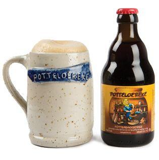 """Potteloereke Het Potteloereke is een stevig bruin bier van 8 vol.% alc., gebrouwen op vraag van de Meigemse Pottenbakkerij 't Hoveke.  Dit Pottenbakkersbier komt best tot zijn recht wanneer het geschonken wordt in de speciale artisanale Potteloereke-bierpot. Potteloereke wordt gebrouwen met een mengeling van speciale bleke en donkere mouten en bruine kandijsuiker. Het Potteloereke heeft een fruitig aroma, een stevige schuimkraag en een lichtzoete afdronk.  """"Het Potteloereke kleurt mooi…"""