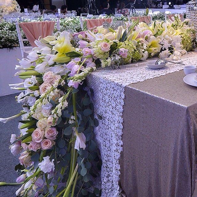 NICE FLOWER LONG TABLE
