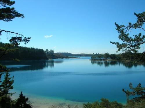 Kai Iwi Lakes - Lake Taharoto