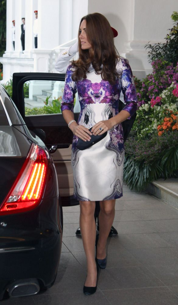 Kate Middleton Wears Daring Prabal Gurung Dress In Singapore