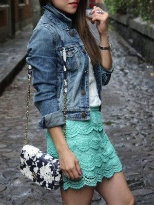 Джинсовый жакет (пиджак) и кружевная юбка