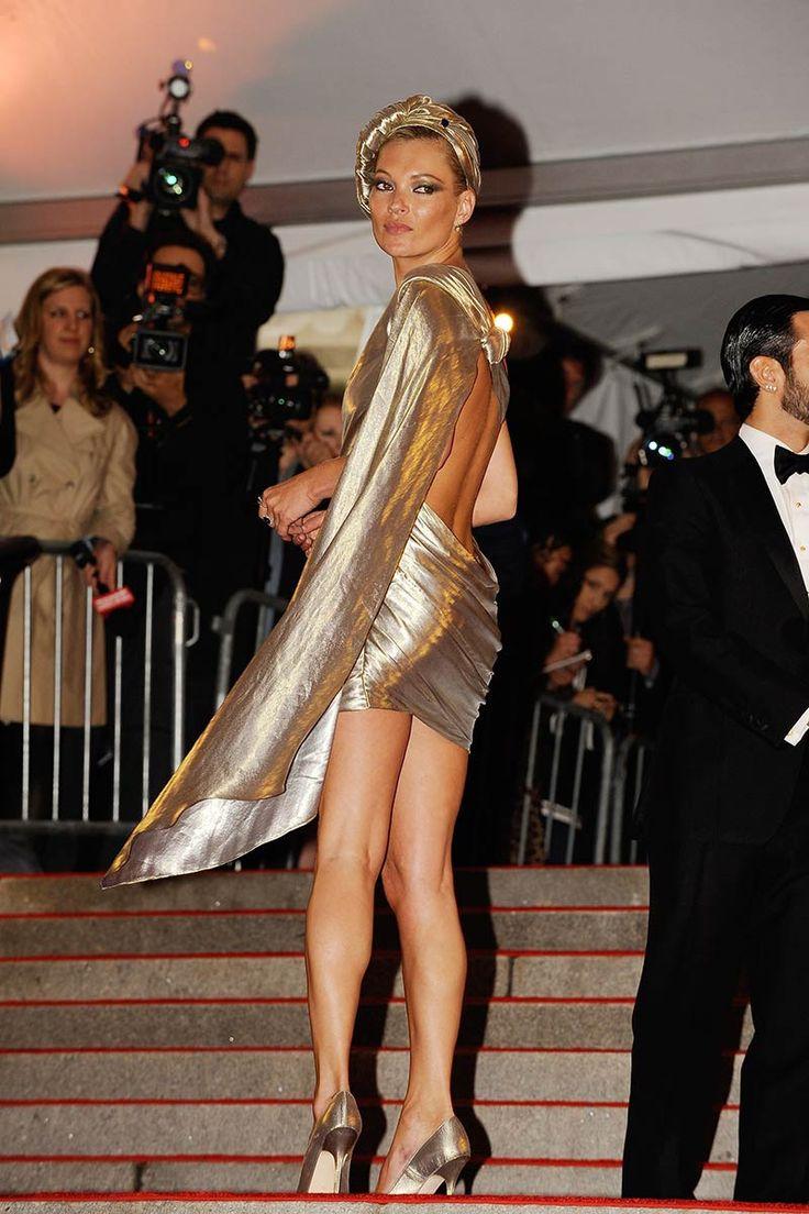 Mini vestido y súper tacones, el look favorito de Kate Moss para salir a bailar: Gala del MET 2009
