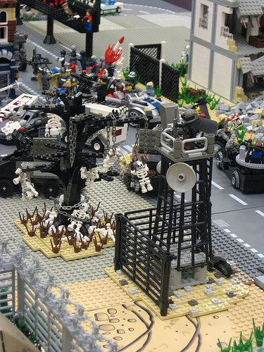 20 - Lego Zombie Apocalypse