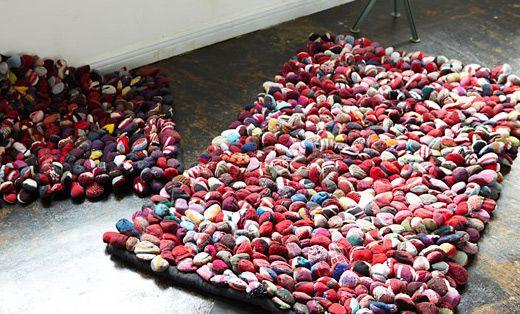 Alfombras originales con restos de tela o trapillo el - Alfombras hechas a mano con lana ...