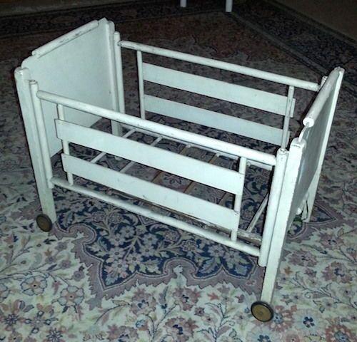 ber ideen zu puppenbett holz auf pinterest puppenbett puppenwiege und puppenstube. Black Bedroom Furniture Sets. Home Design Ideas