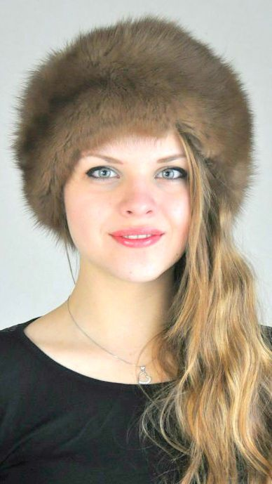 Classic sable fur hat, unisex. Warm, luxury and trendy fur hat, ideal for cold winter. Made in Italy.  www.amifur.com