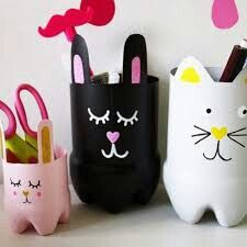 Such cute bunny pencil holders made out of bottles!♥