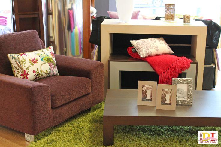 Sofás y muebles auxiliares